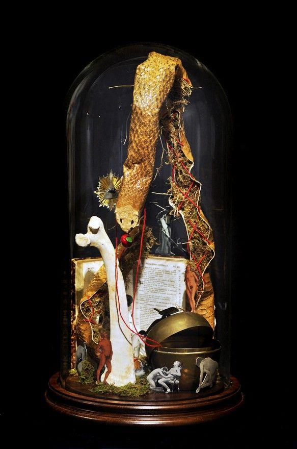 Adamo ed Eva. Il peccato continuato e l'espulsione dal paradiso, 2013, tecnica mista, 30x55 cm