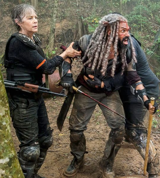 Carol and Ezekiel in The Walking Dead Season 8 Episode 4   Some Guy