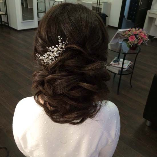 wedding hairstyle updo 6 via antonina roman / http://www.himisspuff.com/beautiful-wedding-updo-hairstyles/11/