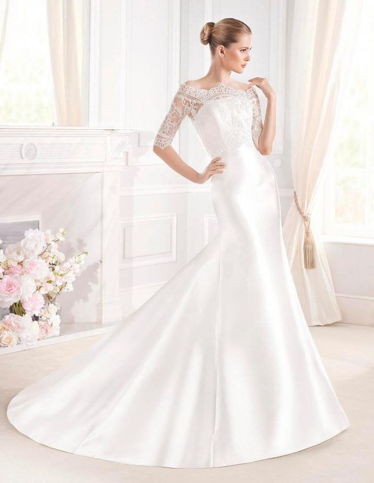 Looking for that perfect gown? There'll be dresses from Pronovias, La Sposa, Cymbeline, Raimon Bundo, Gemy Maalouf, Yolancris, Naomi Neoh, Marco and Maria and Mirror Mirror Couture at a 25% to 50% discount in this one day sample sale from Mirror Mirror.