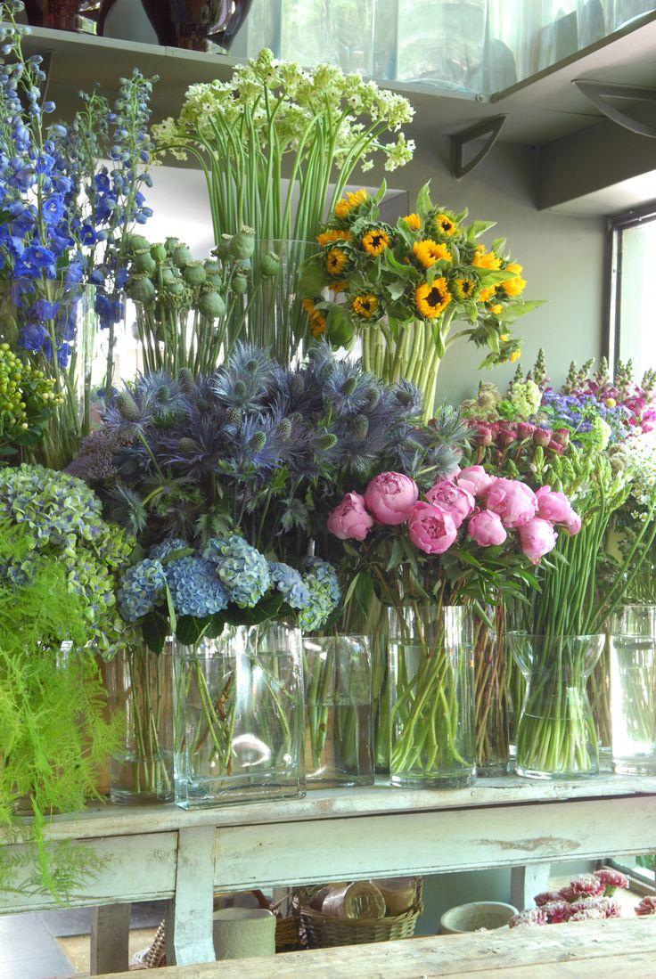 Sally Hambleton's flower shop in Madrid. Photo by Itziar Guzman. www.sallyhambleton.com