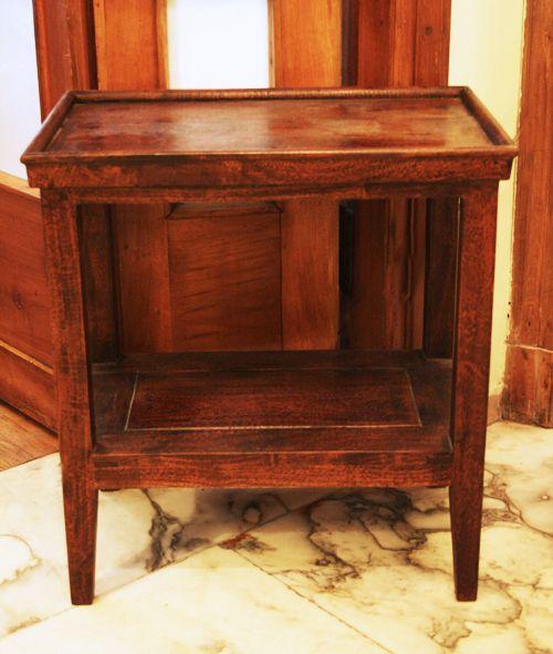 Tavolo legno due ripiani. Cm.54x35 H.58. http://www.pisanogenova.it/catalogo/113-tavolo-legno-due-ripiani