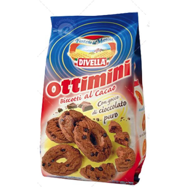 More energy at breakfast, more flavor to your Ottimini breaks with hazelnuts, a new variant of our biscuit for excellence
