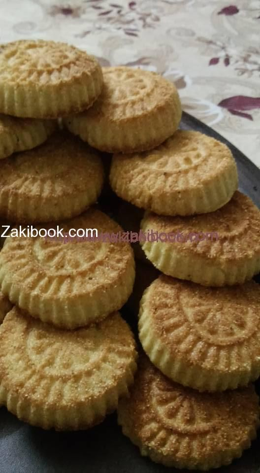 معمول السميد بدون ولا نقطة طحين وصفة مميزة لأنك بإمكانك تشكيل المعمول وكعك العيد من نفس العجينة صديقة زاكي المبدعة Middle Eastern Desserts Arabian Food Food