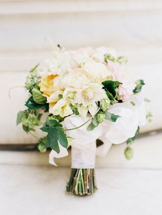Yellow and Ivory Bouquet with Organic Hops for Texture | Sarah Joelle Photography | http://heyweddinglady.com/craft-beer-brewery-wedding-ideas-style/