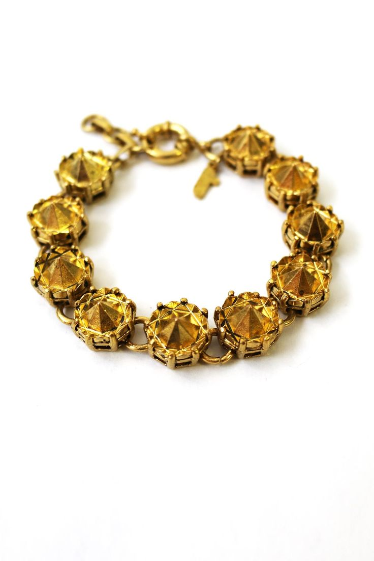 Spikey gold jewels give this elegant bracelet an edge. The delicate chain-link style has a timeless appeal and fastens with a claw clasp. This item comes with a beautiful Trelise Cooper gift box, signature ribbon and gift card.