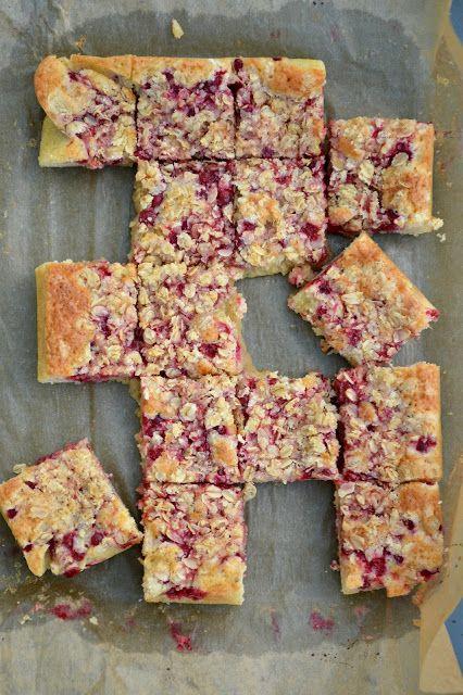 A lovely cake: Vinbärsrutor med havreknäck