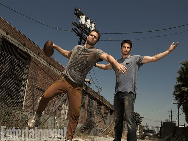 Stephen Amell of #Arrow and Robbie Amell of #TheTomorrowPeople
