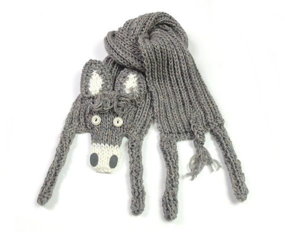 Donkey scarf, funny burro, neck warmer, animal scarf, winter accessory, warm soft, kids teens adults, beige grey, for animal lovers  Very nice, soft acrylic donkey scarf - with button eyes and felt nostrils.  Length with legs (without stretching): ca 54 (136 cm) Body width (without stretching): 6.7 (17 cm)   Made in a smoke free house.  Ready to ship.   Please check dimensions carefully. Due to lighting conditions and monitor settings, colors may appear slightly different, than they are…