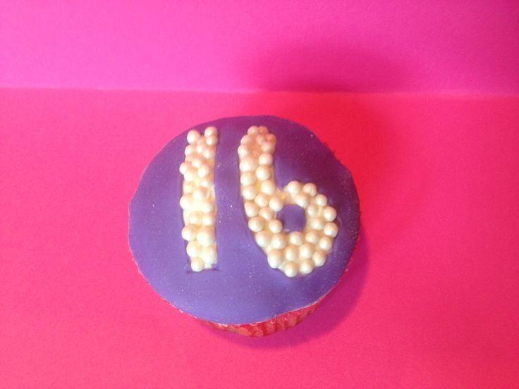 Sweet 16 #cupcake CakeBashParties.com