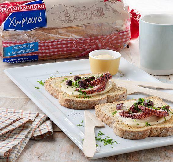 """Μπρουσκέτες με Ψωμί σε Φέτες """"Χωριανό"""" ΠΑΠΑΔΟΠΟΥΛΟΥ Σταρένιο με 6 Δημητριακά με μους ταραμά & χταπόδι - Hub Συνταγών - Hub Συνταγών"""