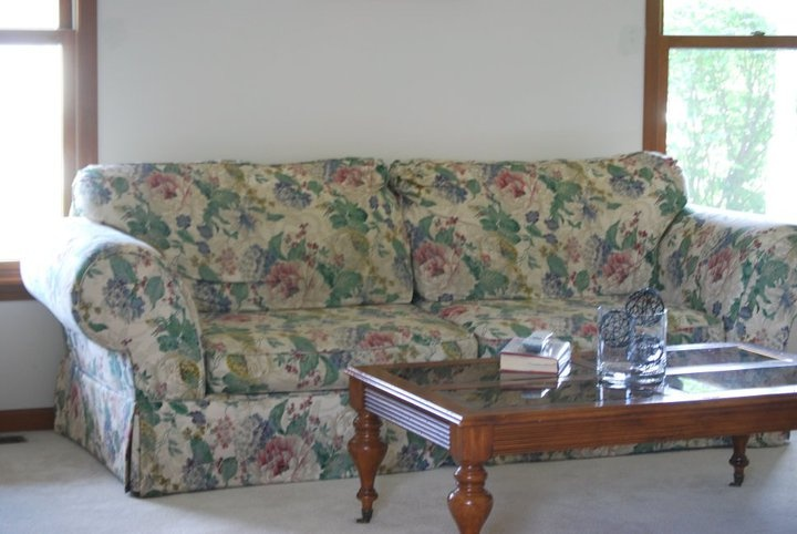 17 Best Images About Floral Sofa On Pinterest