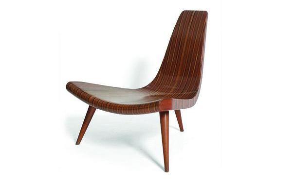 cadeira Três Pés, de Joaquim Tenreiro.