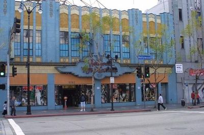 Hollywood Toys and Costumes Hollywood - CA: Reviews from families visiting Hollywood Toys and Costumes Hollywood - CA. Here's where kids can find that monster mask they won't find back home or that conversation-starter costume perfect for next...