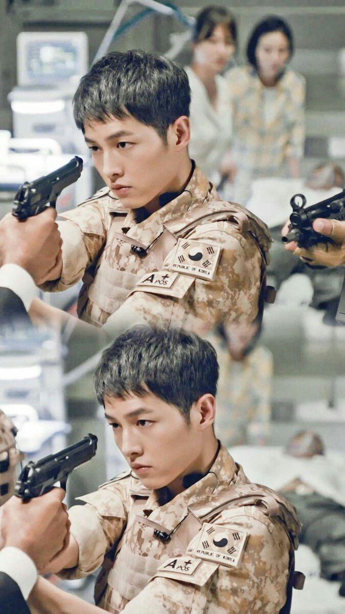 Yoo Si Jin..Descendants of the Sun..