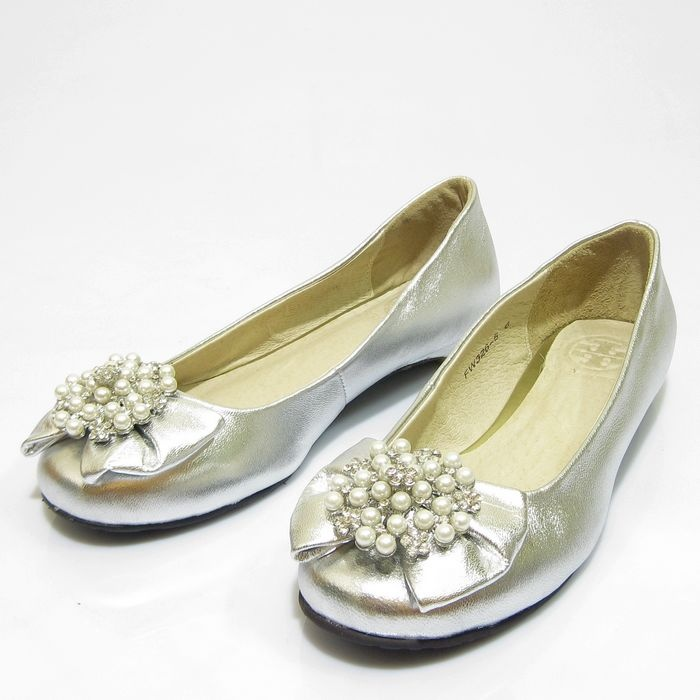 love these Tory Burch flats--so pretty!