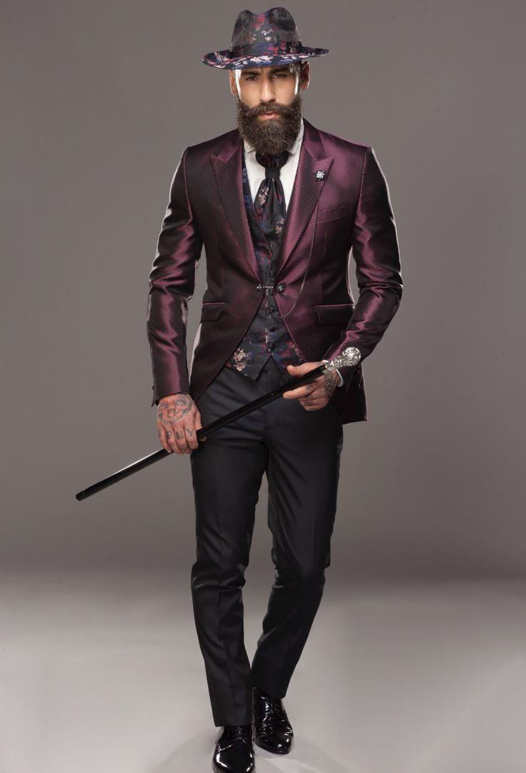 New ADV'18 Ph. Alex Belli Siamo lieti di annunciarvi che è appena uscita la mia nuova campagna Petrelli Uomo Ala Cerimonia 2018. Un grazie a tutte le persone che hanno lavorato in questo nuovo progetto.  Testimonial Simone Susinna (finalista Isola 🌴 dei famosi) Alex Pacifico #influencer #star #artist  #petrelli #testimonial  #axb #campaign #suits #uomo #wedding #man #fashion #collection2018  Concept #AXBstudio post production @theblackb M.U.A &Hair @alessandrofilippi_