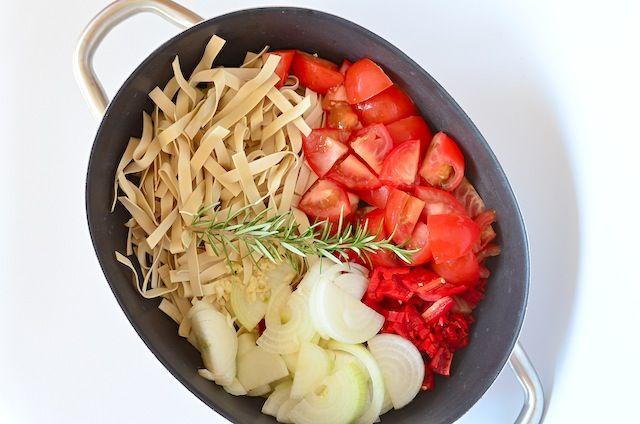 Eenpans pasta - easy dinner one pot pasta