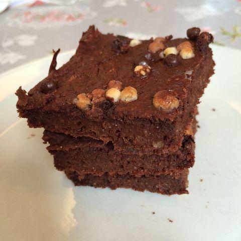 Kaura-jugurtti Browniet - Fit For Diabetes | Lily.fi