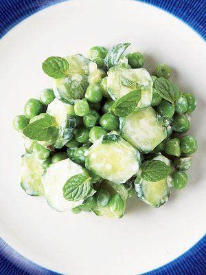 【ELLE a table】きゅうりとグリーンピースのサラダ ミントのアクセントレシピ エル・オンライン