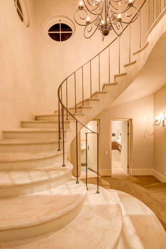 White plaster stairs, Heerenzicht