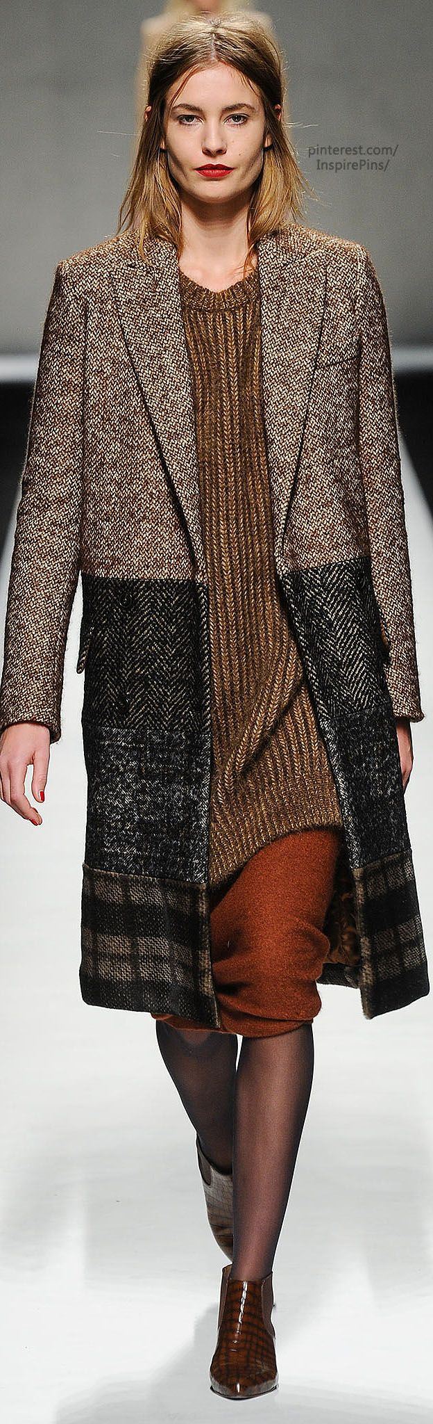 Love the coat- Fall 2014 Ready-to-Wear Max Mara