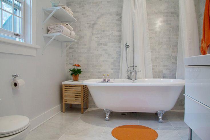 fantastic.: Desiretoinspire Nets, Clawfoot Tubs Win, Guest Bathroom, Clawfoot Bathtubs, Claw Foot, Wall Tile, Subway Tiles, Bathroom Tile, Marbles Subway