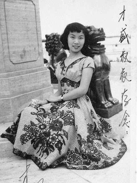 "The first is Lee Bo Ying (李寶瑩), a Cantonese opera singer who made some 40 films between 1954 and 1965. She was dubbed ""Little Fong Yim Fun"" (小芳艷芬) after renowned ""Queen of Cantonese Opera"" Fong Yim Fun. This YouTube clip shows Lee singing ""Sorrows of the Autumn Boudoir"" from her film debut, It's Fun Getting Together (1954)."