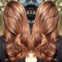 Drew Noreen (@drewjnoreen) of Pucci Salon, Scottsdale, Arizona, posted this gorgeous balayage highlighted caramel finish and we just had to know more.