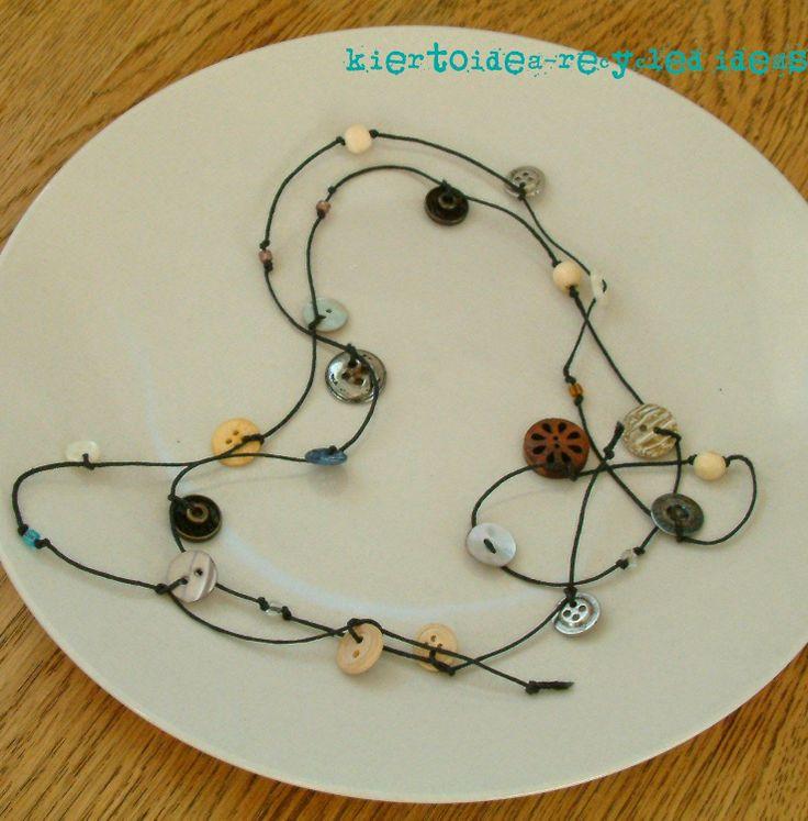 kiertoidea -  recycled ideas: Button necklace