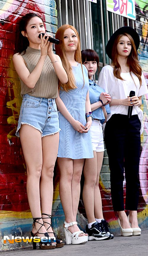 Check out the video and pictures from T-ara's 'Free Hug' event ~ T-ara World ~ 티아라