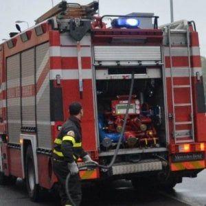 Offerte di lavoro Palermo  Stanno intervenendo vigili del fuoco e carabinieri  #annuncio #pagato #jobs #Italia #Sicilia Palermo: giardino in fiamme in corso Calatafimi