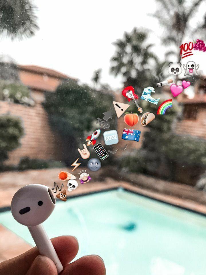 Pin By 3xrl6 On إيموجي Emoji Iphone Wallpaper Photography Emoji Wallpaper Winter Scenery