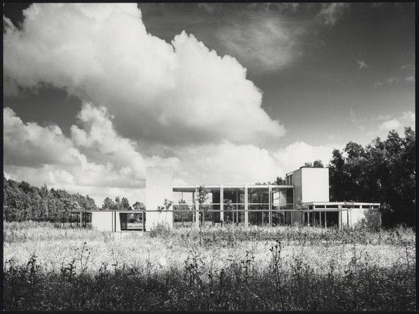 Auditorium Cemetery (1958-67) in Haarlemmermeer, the Netherlands, by Gerrit Rietveld