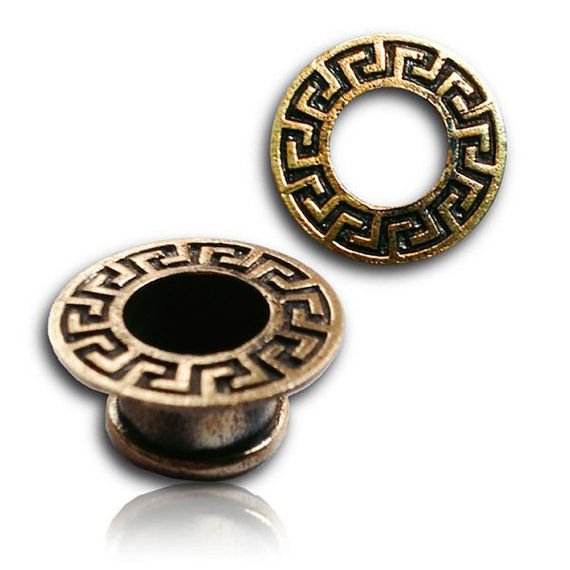 MUKESH pair of tribal plugs, geometric pattern inca style, aztec, golden brass tunnel plugs, for men, jewelry trance festival, Handmade, ear plug, tunnel plugs for strangled ears, brass, golden color, gold color, metal , WeldedWear alone or in duo. Of tribal origin to see primitive these plugs are to wear such an ornament allowing to exhibit these ornaments of ethnic style to the tribal motifs, which represent you and you hold to heart.The brass used is of quality