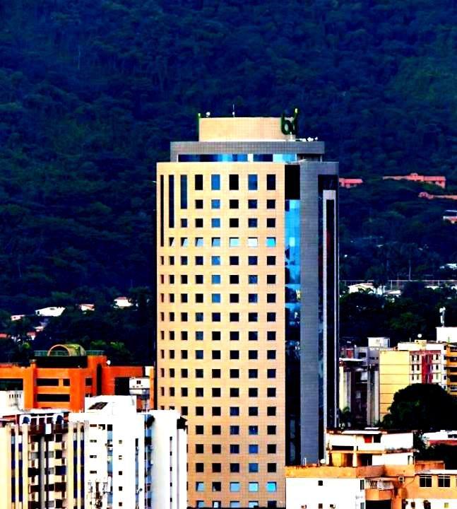 El Reda Building por las cuatro Avenidas. Valencia, Venezuela