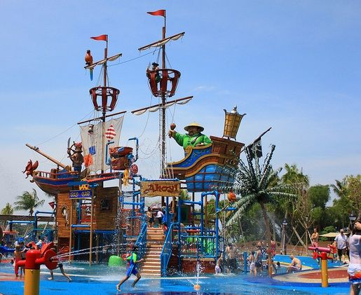 This is highly recommended attraction in Singapore if you have kids. Kids will have a lot of water fun as Port of Lost Wonder is full of activities. Located in Sentosa, it is a dedicated beach club for children.