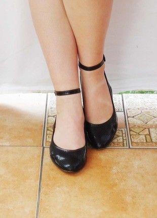 Kup mój przedmiot na #vintedpl http://www.vinted.pl/damskie-obuwie/polbuty/5226634-czarne-czolenka-na-niskim-obcasie-36