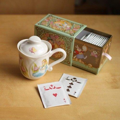 Caixa de chá da versão da Disney para Alice