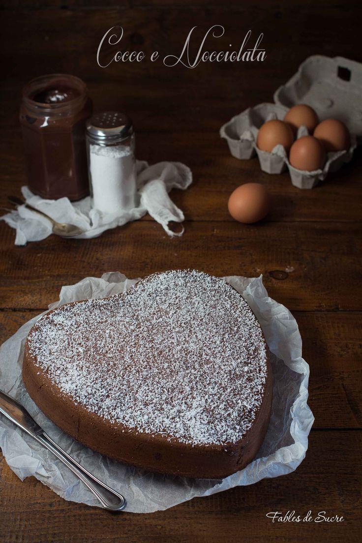 Torta morbida cocco e nocciolata