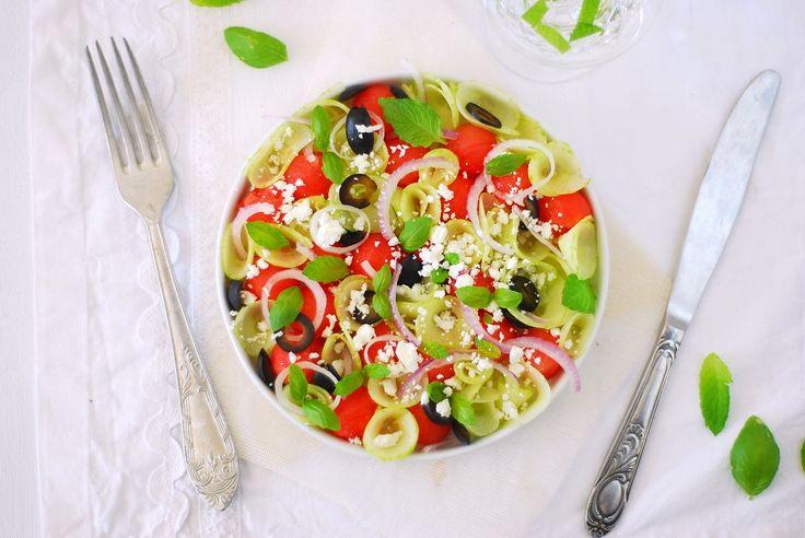 Salade de pastèque-concombre-feta-olives noires