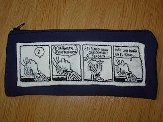 Estuches con viñetas de Snoopy.