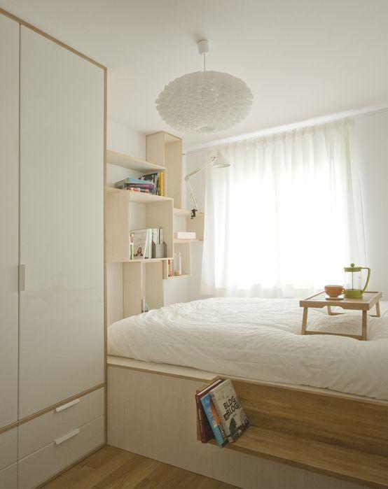 Sypilania, biała sypialnia, sypialnia w stylu skandynawskim, aranżacja sypialni, piękna sypialnia. Zobacz więcej na: https://www.homify.pl/katalogi-inspiracji/17746/jak-urzadzic-sypialnie-gwarantujaca-blogi-sen