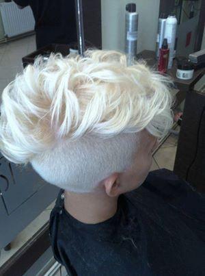 mohawk haircut female