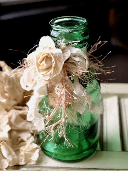 150 best decorating your home with diy vases bottles images on pinterest. Black Bedroom Furniture Sets. Home Design Ideas