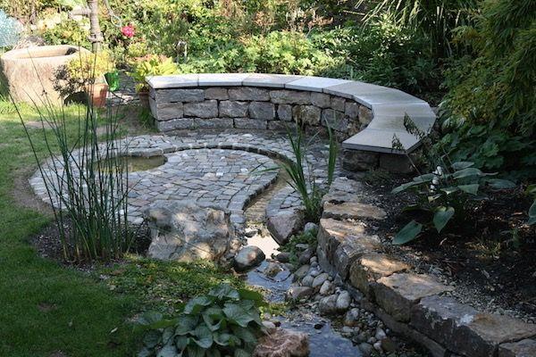 runde bank aus muschelkalk mauersteinen mit abdeckplatten aus, Gartenarbeit ideen