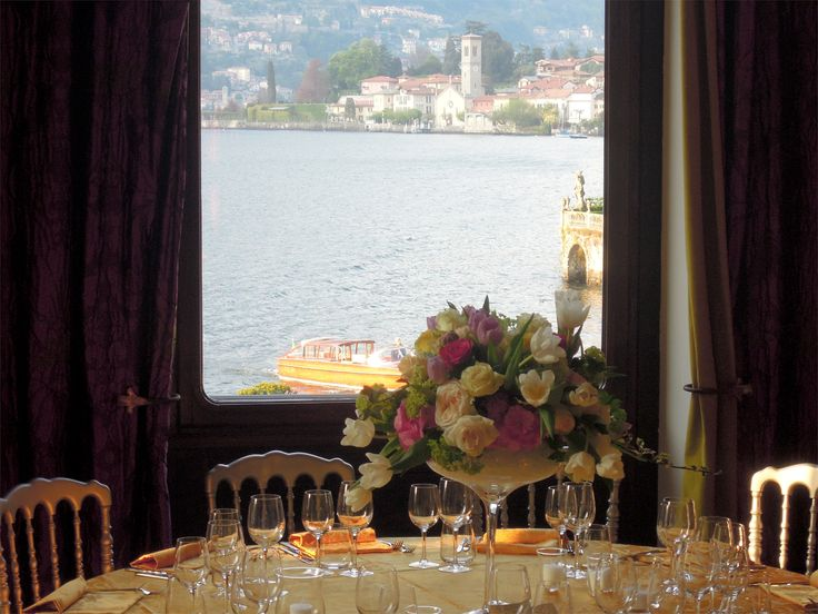 We look forward to welcome you and celebrate #Easter on #LakeComo with the traditional lunch created and prepared by our Chef, Massimiliano Mandozzi.  Enjoy the menù: http://bit.ly/2p6GRy9