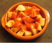Tapas: Patatas Bravas (Aardappelen In Pittige Saus) recept   Smulweb.nl