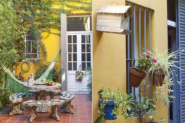 Diez terrazas y patios para tomar ideas mesas textiles - Decorar madera con pintura ...