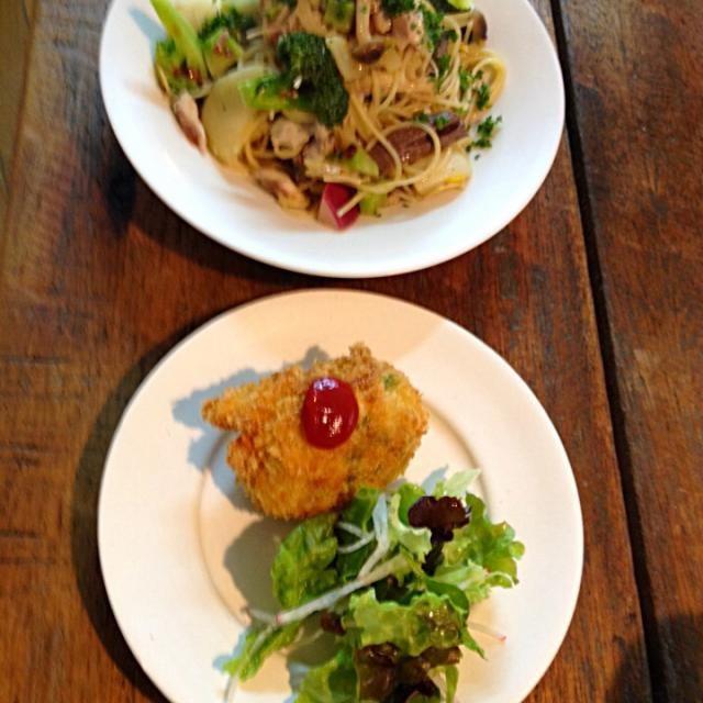 料理教室で早くも本日三食目f^_^;) - 32件のもぐもぐ - 鯵と冬野菜のオイルソースパスタ&牡蠣のクリームコロッケ by buhizou